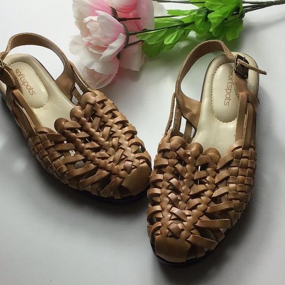 20cbc67b11d5 Softspots Sandals. M 5afbb2896bf5a6213eb127d6